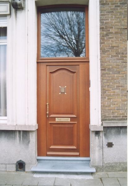 Porte d'entrée Bois Meranti modèle Prestige