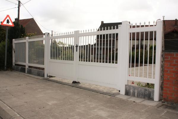 Portail et clotûre en PVC blanc