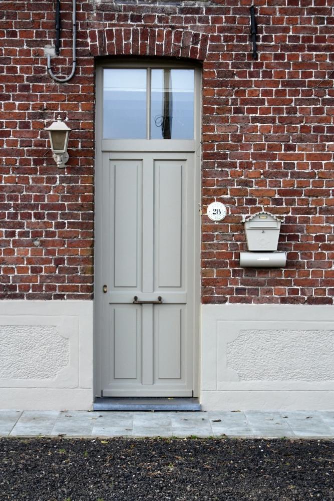 Porte en bois Meranti dessin sur mesure