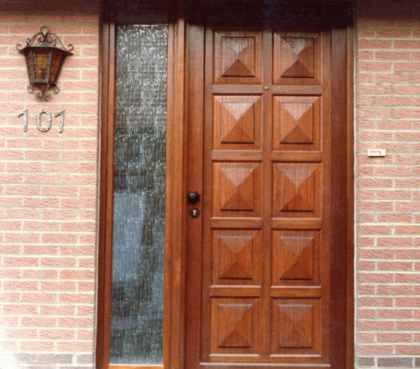 Porte bois Meranti design sur mesure